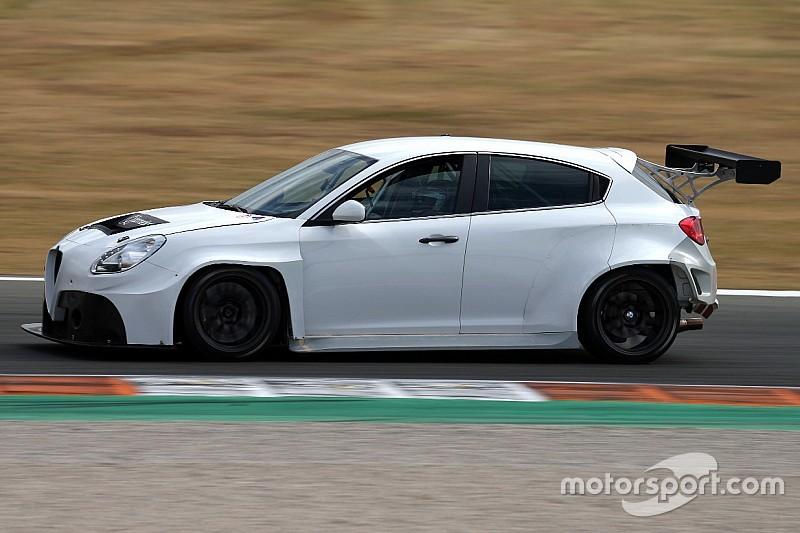 Alfa Romeo, la Giulietta TCR rivisitata per andare... Veloce: