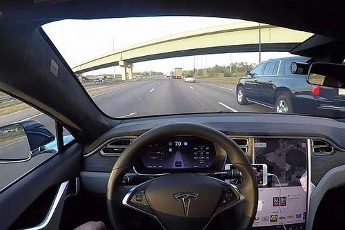Elkészült az első átfogó teszt arról, mit tud a Tesla robotpilótája