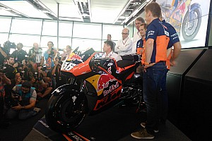 MotoGP Noticias de última hora KTM presenta su moto para la temporada 2017