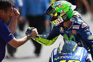 MotoGP Fotostrecke Fotostrecke: MotoGP-Piloten erinnern an Nicky Hayden