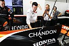 McLaren, Renault'ya geçişle kaybettiği iki haftayı telafi etti
