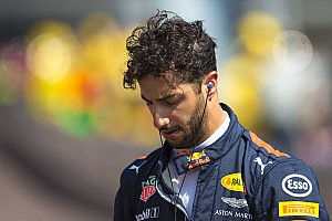 """Ricciardo gefrustreerd: """"We hebben een domme, gekke fout gemaakt"""""""