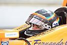 Алонсо использует на Гран При США шлем в цветах Indy 500
