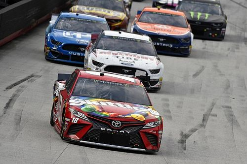 What time and channel is the Bristol NASCAR race today?
