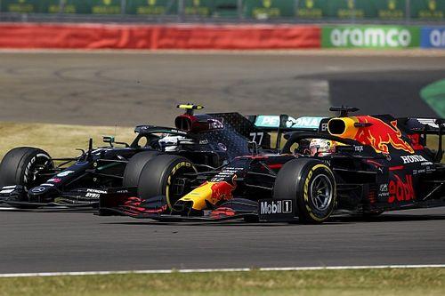 Verstappen doblega a Mercedes en una vibrante carrera estratégica