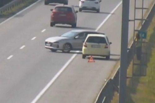 Életveszélyes jóhiszeműség: az M0-son forgolódott a forgalomban egy segítőkész sofőr