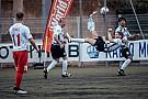 Formula 1 GALERI: Aksi pembalap bermain sepak bola di laga amal