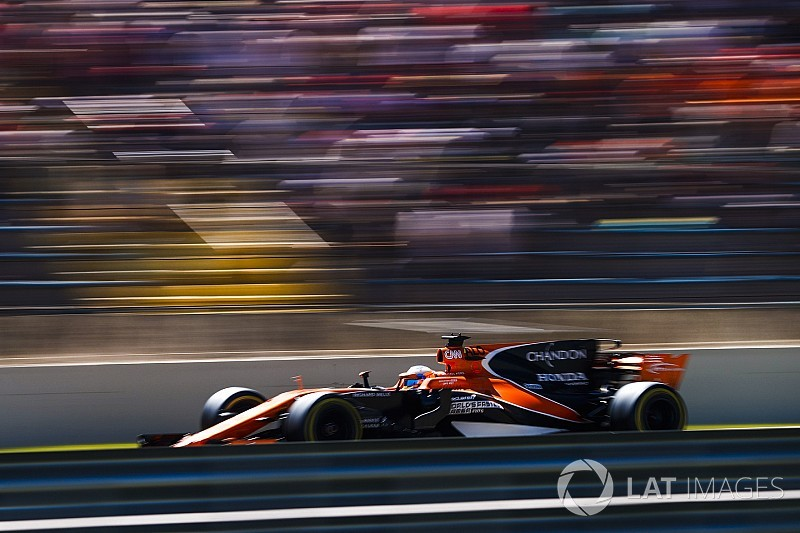 マクラーレン、アブダビでのタイヤテストを2台体制で参加か?