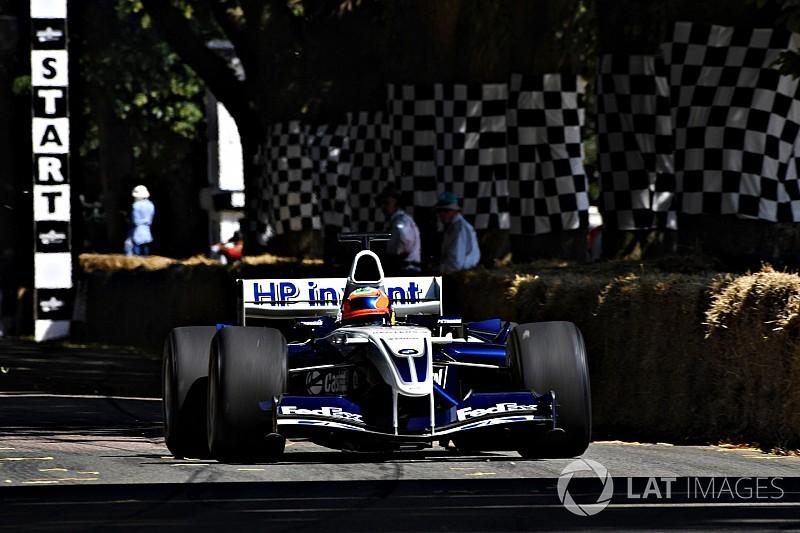 La Williams-BMW FW26 de Juan Pablo Montoya en démo à Goodwood