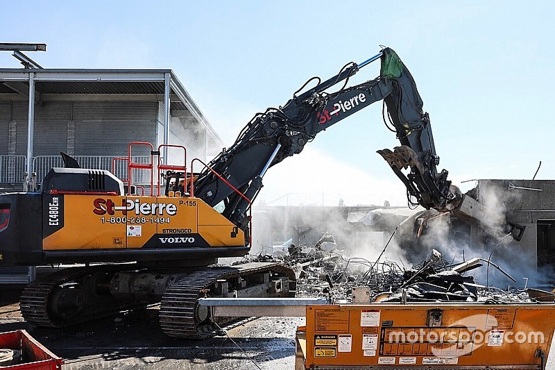 Montreal pits demolished as building work begins