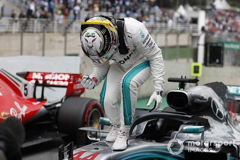 Hamilton gufa sulle gomme:
