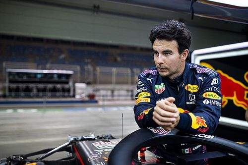 "Sergio Pérez: ""Veremos si la lucha con Mercedes se relaciona con la pista"""