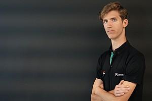 Bereznay Dániel nyerte a virtuális F1 utolsó 2018-as futamát, nem is akárhogy!