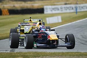 Other open wheel Race report Teretonga TRS: Verschoor dominates Race 3 as Randle goes off