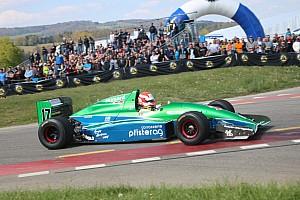 Hillclimb Actualités Dans les montées suisses battent leur plein les… Formule 3000 !