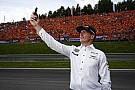 Mercedes se burla de Max Verstappen en Twitter