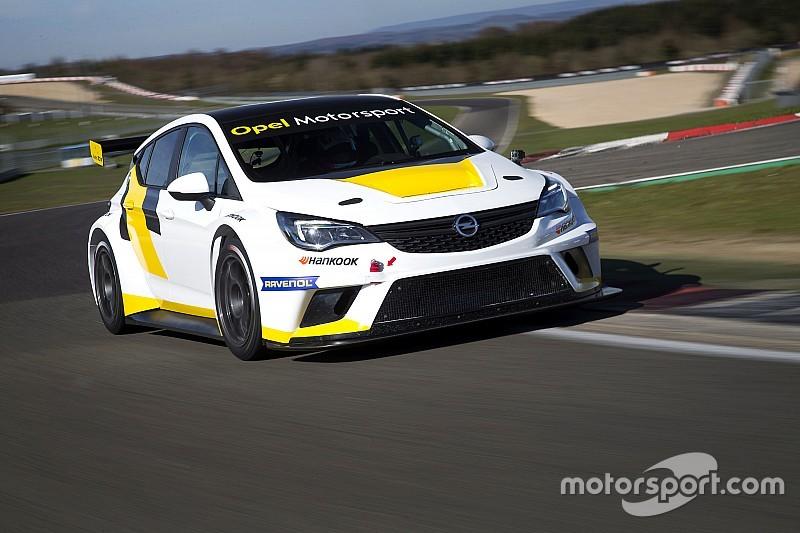 Verspätete Premiere: Neuer Opel vor erstem Einsatz in der TCR Deutschland
