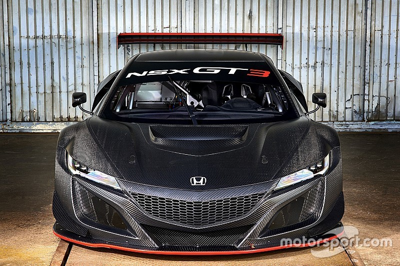 Tim pabrikan Honda turunkan NSX di FIA GT Makau