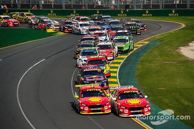 Australian GP closing in on Supercars race format