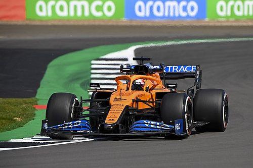 Зачем в McLaren изменили заднее антикрыло перед гонкой в Сильверстоуне