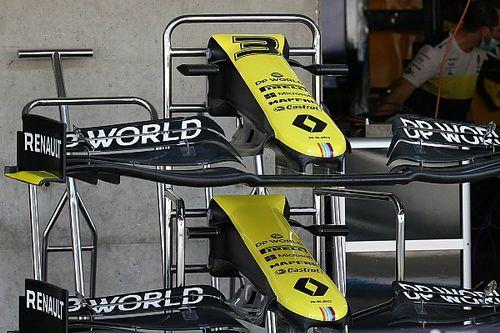 Renault: un muso con due cape e flap dell'ala diversi