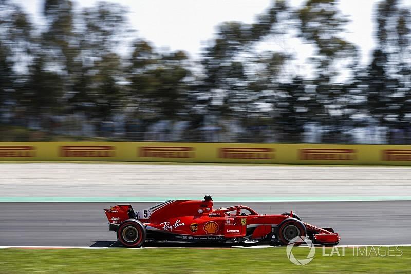 """Hamilton suspects Ferrari """"sandbagging"""" in practice"""