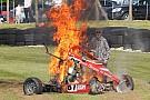 Geral Após acidente, piloto escapa ileso de carro em chamas