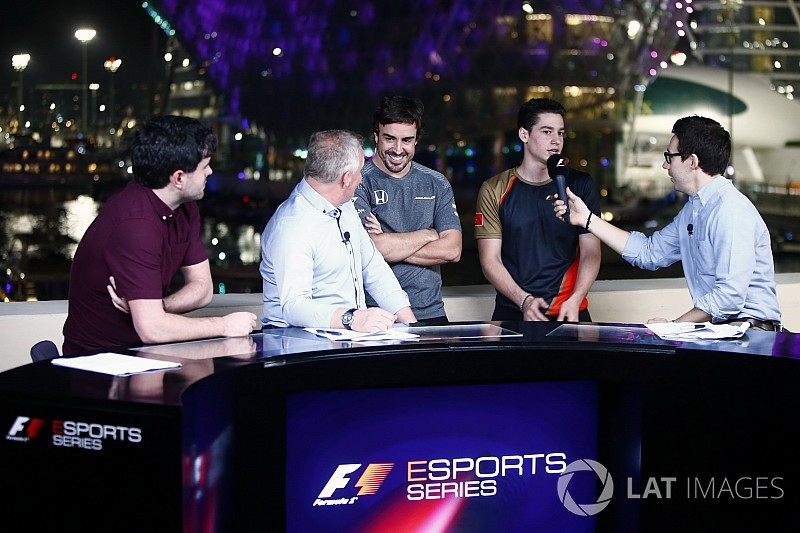 Alonso procura piloto para sua equipe de eSports