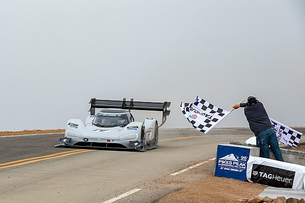 Hillclimb Race report Dumas shatters Pikes Peak record in electric VW