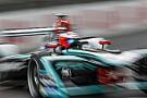 Формула E Формула Е придумала игру, где можно гоняться с пилотами во время этапа