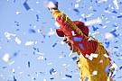 Joey Logano supera a Kurt Busch y triunfa en Talladega