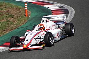 FIA-F4選手権 速報ニュース FIA-F4第4戦富士:角田裕毅、激戦を制し3戦連続ポール・トゥ・ウィン