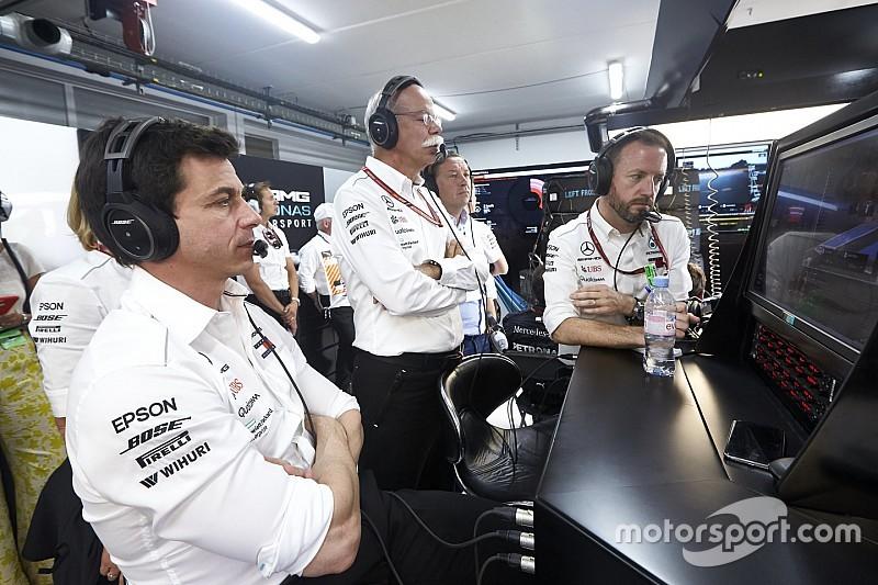 Hamilton non crede che il cambio al vertice di Mercedes avrà impatto sulla F1