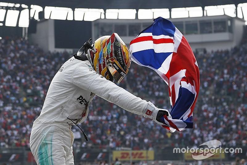 Гран Прі Мексики: Ферстаппен виграв гонку, а Хемілтон після проколу - титул