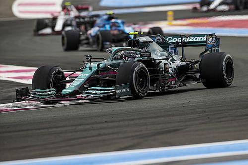 Pontokat és Prost-sisakot is szerzett Vettel