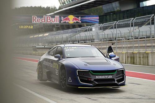 La voiture électrique du DTM va prendre la piste sans pilote !