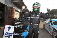 Brands Hatch BTCC: BMW's Oliphant beats Sutton for maiden win