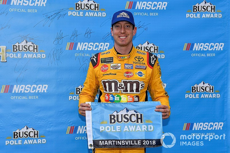 Kyle Busch tops Clint Bowyer for Martinsville Cup pole