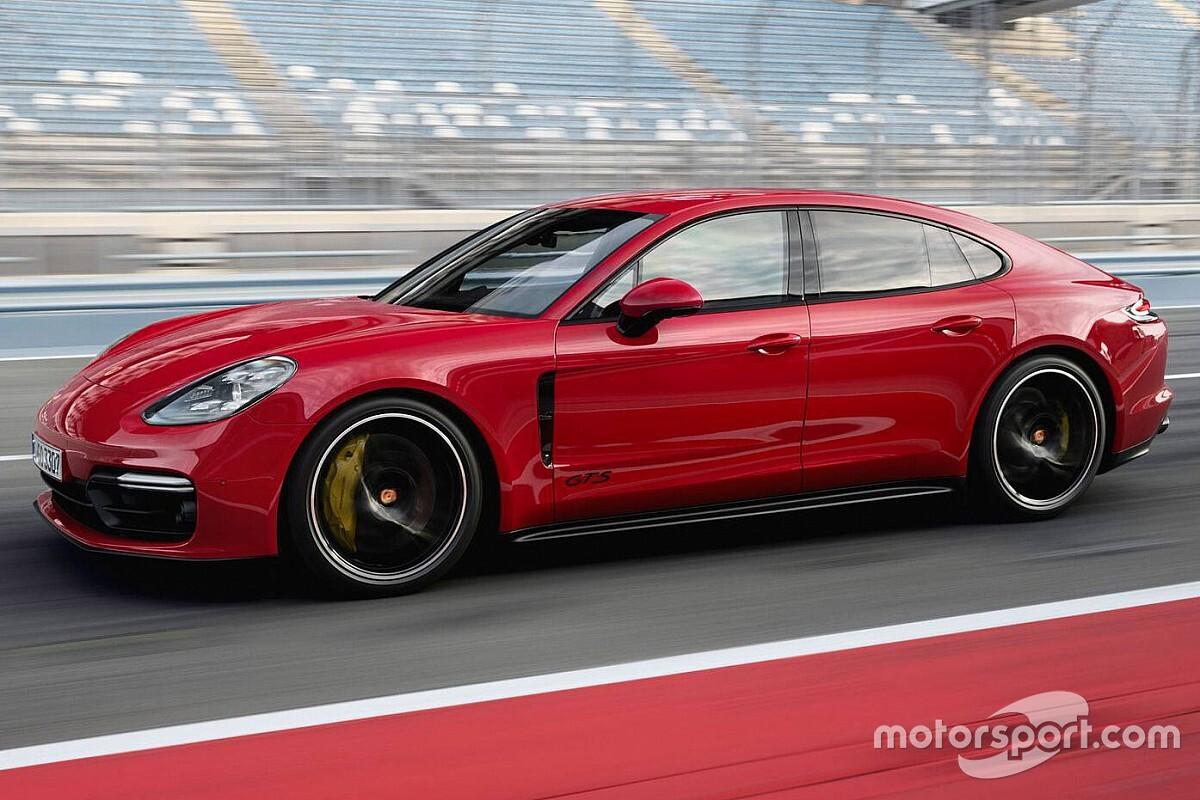 Porsche вирішила відкликати машини Panamera через програмний збій