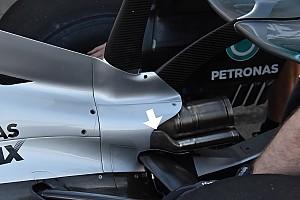 A Mercedes dolgozik a 2017-es autó motorhangján is