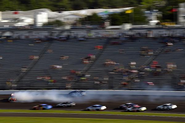 Kyle Busch's crew chief confronted Truex's team after crash - video
