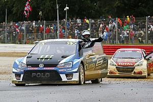 World Rallycross Réactions Kristofferssonjuge l'aide de Solberg