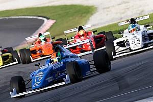 Formel 4 News Kurios: Kein Auto im Ziel bei Formel-4-Rennen in Sepang
