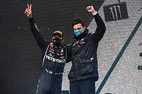 Wolff: Hamilton vertelde in vliegtuig dat hij langer in F1 blijft