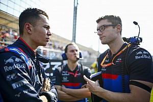 """Toro Rosso tevreden met debuut Albon: """"Hij was niet onder de indruk"""