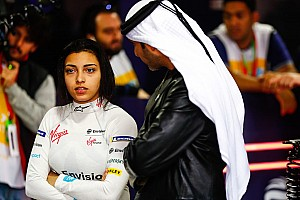 Gallery: Female drivers test FE cars in Saudi Arabia