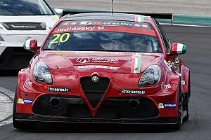 TCR Test Giacomo Altoè ha provato l'Alfa Romeo a Cremona