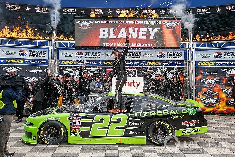 Ryan Blaney domina la  Xfinity Series en Texas