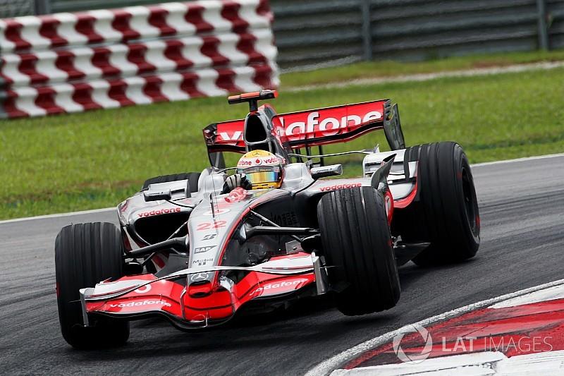 Según Zack Brown, McLaren aceptaría de regreso a Hamilton