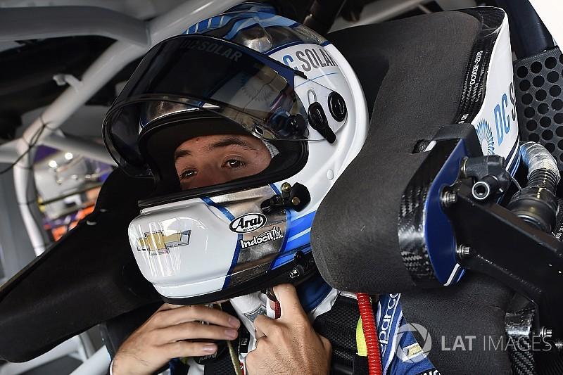 Larson con la pole en Bristol y Suárez desde el 21